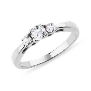 Diamantový zásnubní prsten z bílého zlata KLENOTA