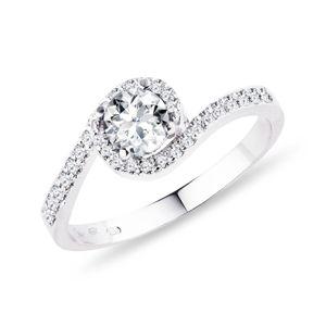 Diamantový prsten z bílého zlata KLENOTA