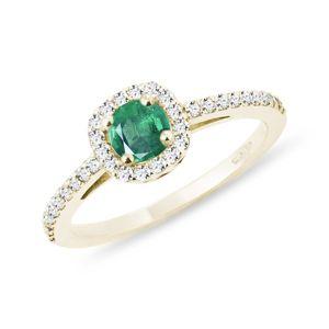 Smaragdový zásnubní prsten ve žlutém zlatě KLENOTA