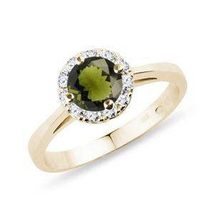 Prsten ze žlutého zlata s vltavínem a diamanty KLENOTA