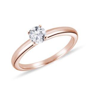 Jednoduchý prsten z růžového zlata s briliantem KLENOTA