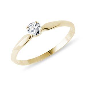 Zásnubní prsten s diamantem ve žlutém zlatě KLENOTA