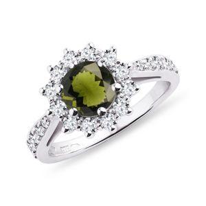 Diamantový prsten s vltavínem v bílém zlatě KLENOTA