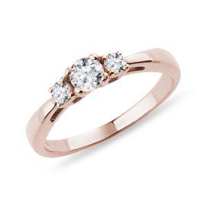 Diamantový zásnubní prsten z růžového zlata KLENOTA