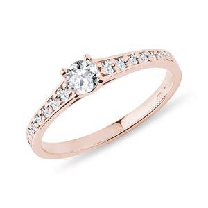 Briliantový prsten v růžovém 14k zlatě KLENOTA