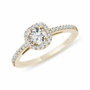 Diamantový zásnubní prsten ve žlutém zlatě KLENOTA